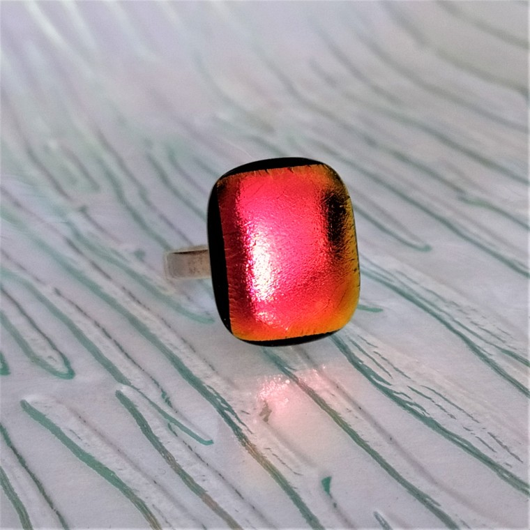 Bague en verre dichroïque