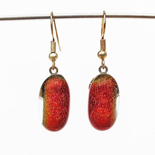 Boucles oreilles rouges format crochet