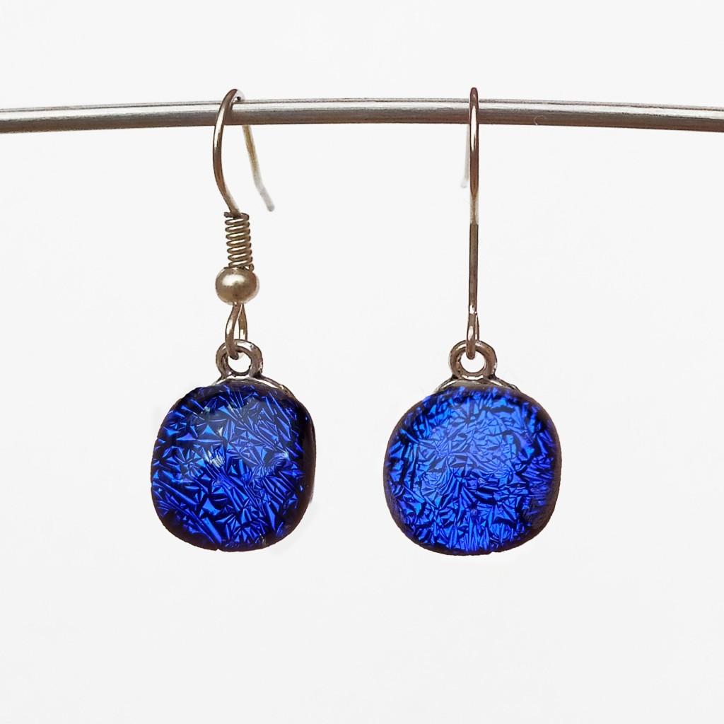Boucles d'oreilles bleues petit format crochet