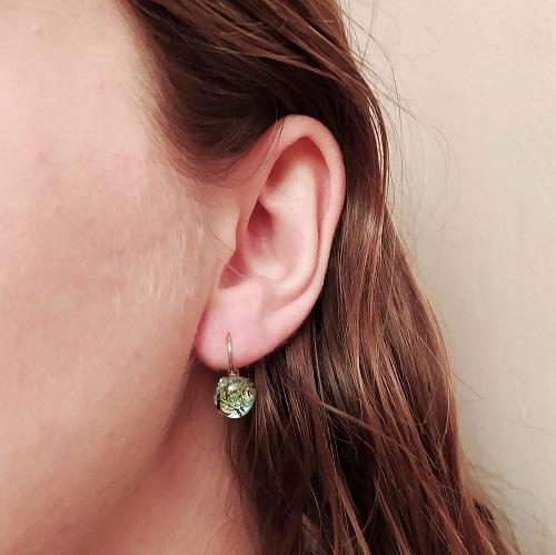 Boucles d'oreilles portées