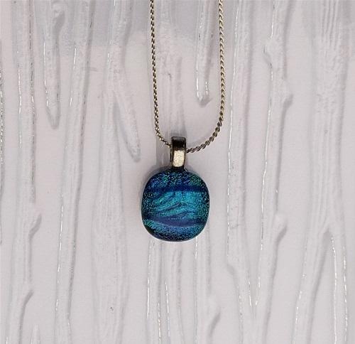 Collier en verre bleu turquoise
