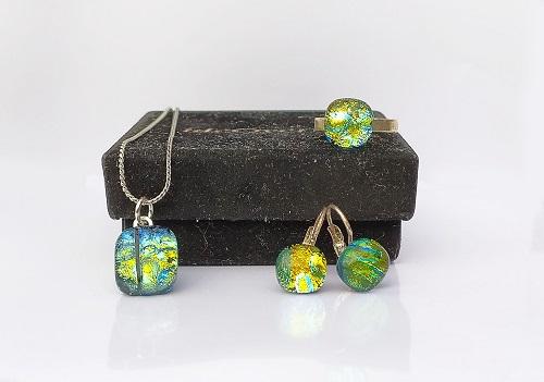 Ensemble bijoux en verre